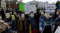 """La marcha del """" millón de máscaras"""" contra los corruptos y tiranos"""