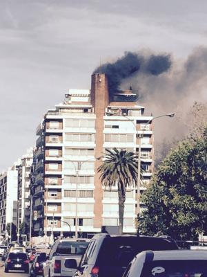 Incendio de altura en edificio de Pocitos