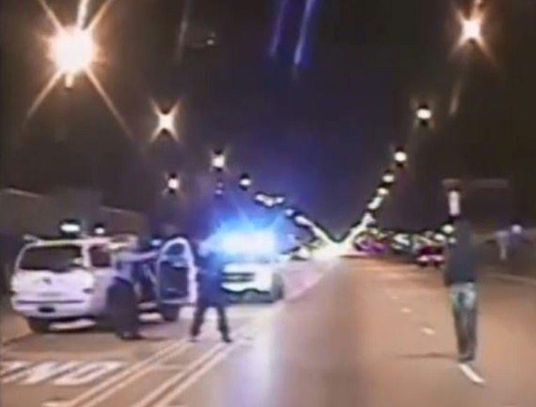 Policía blanco reclamará la herencia de joven negro al que mató en EEUU