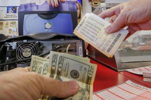 Perdió 63 millones de dólares: Nadie cobró premio millonario de lotería de California