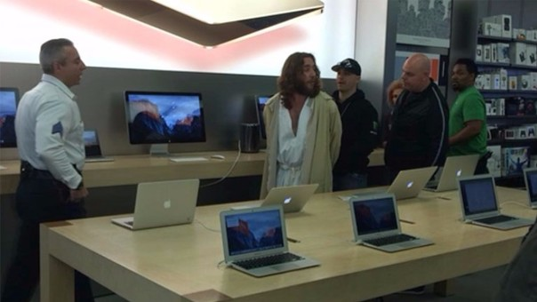 """""""Jesús"""" es detenido en una tienda de Apple en Filadelfia"""