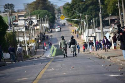12 detenidos por graves incidentes en barrio Marconi