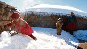 Casi 50 niños mueren por el frío intenso de Perú