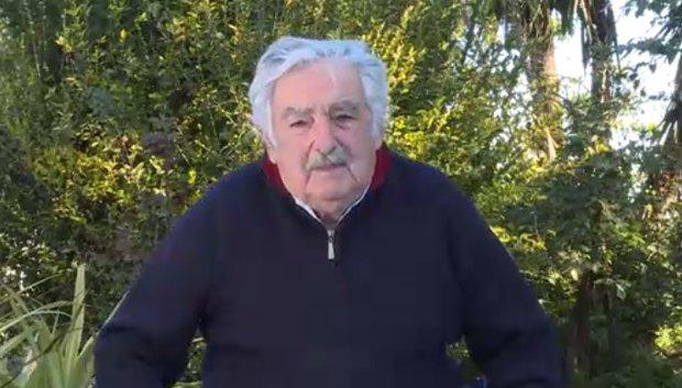 Mujica comenzó su videocolumna en la Deutsche Welle y cargó contra el despilfarro