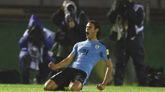 Uruguay aprovecha el tropiezo de Argentina y trepa a la cima de las Eliminatorias