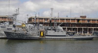 Marino preso por robar armas de buque de la Armada