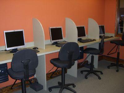 "Horda de ""planchas"" ataca cyber de Malvín Norte"