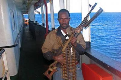 Un pesquero español escapa de un intento de secuestro por piratas somalíes