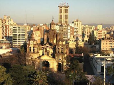 Dos muertos por un ataque mafioso con bomba molotov en Córdoba, Argentina