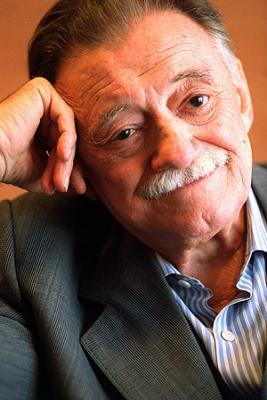 Madrid: homenaje a Benedetti divulgará un poema inédito suyo