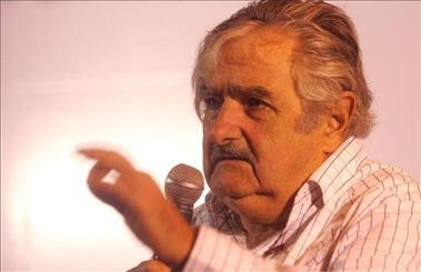 Uruguayos en Buenos Aires ovacionaron a José Mujica