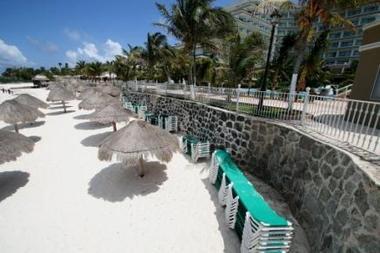 Hoteles mexicanos dan vacaciones gratis si el turista enferma de gripe porcina