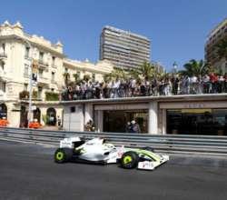 Fórmula 1: Button siempre larga primero
