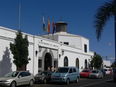 Escándalo en Lanzarote: políticos y funcionarios públicos detenidos por corrupción