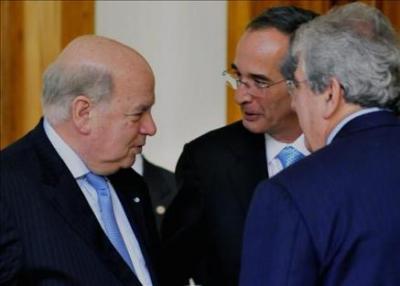 Secretario General de la OEA en Guatemala para investigar escándalo que envuelve al presidente Colom