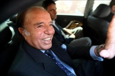 Argentina: ex presidente Carlos Menem y funcionarios de su gobierno procesados por malversar fondos públicos