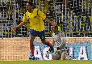 Colombia le ganó 1 a 0 a Perú y sigue con vida