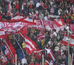 Estudiantes de la Plata metió presión y ahora tiene toda a tribuna Ámsterdam para su hinchada para el choque contra Nacional por la Libertadores