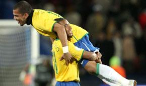 Brasil sufrió hasta el final para vencer a Sudáfrica en la Copa Confederaciones