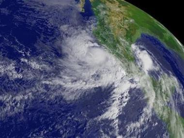 La tormenta tropical Carlos se convierte en huracán en el Pacífico