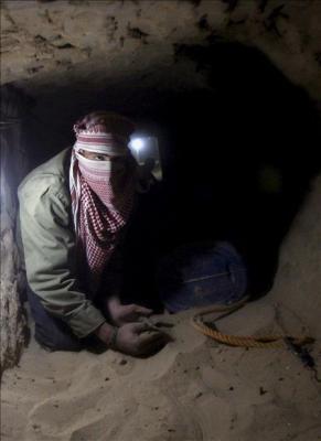 Dos muertos por asfixia en túnel de frontera egipcia con Gaza