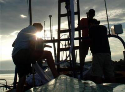 Guardacostas de EE.UU. rescatan a 113 haitianos de la embarcación hundida