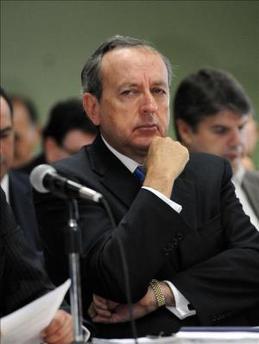 La Fiscalía de Costa Rica pide 24 años de cárcel para ex presidente Calderón