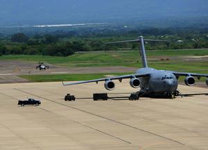 Honduras invita a EEUU a retirar su base militar en respuesta a suspensión de visas