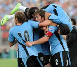 Desesperado, Uruguay regala entradas para que el público aliente al equipo frente a Colombia
