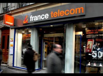 Empleados de empresa telefónica en Francia se suicidan en cadena