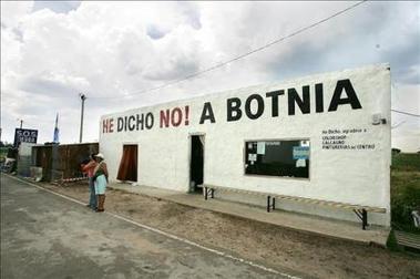 Argentina dice en La Haya que la celulosa de Botnia es incompatible con el turismo en la zona