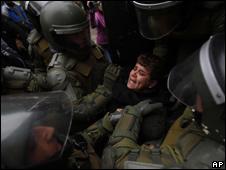 Chile niega abusos contra mapuches