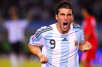 Argentina ganó con otro milagro de Martín Palermo