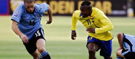Resonante triunfo de Uruguay 2 a 1 sobre Ecuador