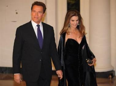 Schwarzenegger multará a su esposa