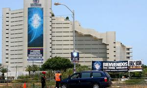 Chávez nacionaliza por decreto el hotel Hilton de Margarita, lujo del Caribe