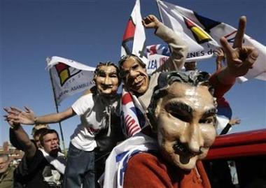 La mirada de la agencia Reuters a los masivos actos electorales en Uruguay en busca de los indecisos