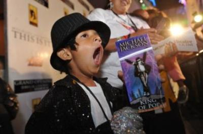 Fanáticos del mundo listos para la resurrección de Michael Jackson en los cines