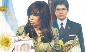 """La presidenta argentina dijo que los uruguayos y su sistema político son """"fantásticos"""""""