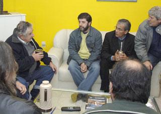 Uruguay: central sindical pide a los trabajadores que voten a Mujica