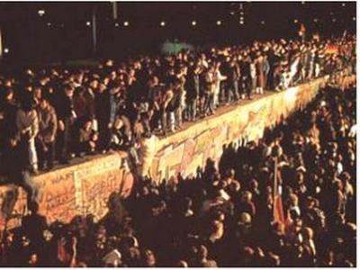20 años después de la caída del Muro del Berlín habitantes de varios países de Europa del Este opinan que se vivía mejor con el comunismo