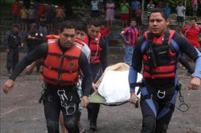 Ya hay 91 muertos y 60 desaparecidos en El Salvador por el huracán