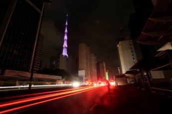 "Ciudades de Brasil salen del ""mais grande"" apagón del mundo"