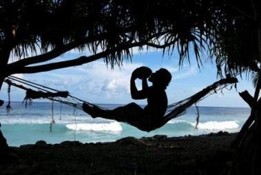 Polémica por la prohibición de vender cocos en las playas de Río de Janeiro