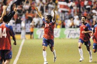 """Costa Rica: califican de """"asesinato"""" la muerte de un jugador tras recibir un puntapié del rival"""