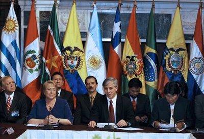 Ministros de Sudamérica evalúan seguridad regional; Colombia ausente