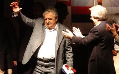 La prensa uruguaya destaca la victoria de Mujica y un posible acuerdo con la oposición