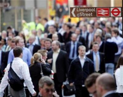 Los usuarios del metro de Londres se mentalizan cada día para soportar el estrés