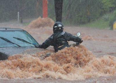 Temporal inunda grandes áreas de San Pablo y deja cinco muertos