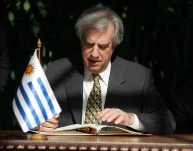 Tabaré Vázquez llamó a Evo Morales para felicitarlo por el triunfo electoral